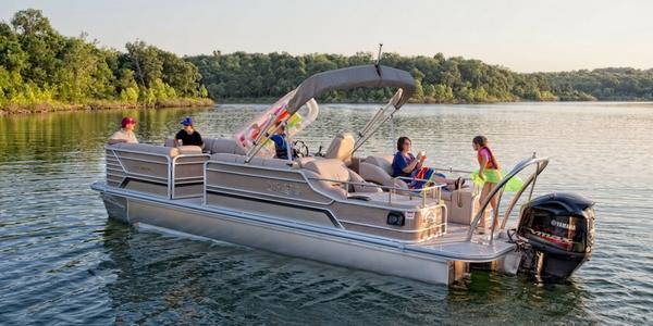 Pontoon Tritoon Boat Buyer S Guide Sonnys Marine
